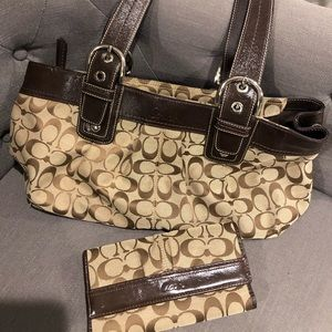 Coach Brown Pleated Lg Signature Tote with Wallet